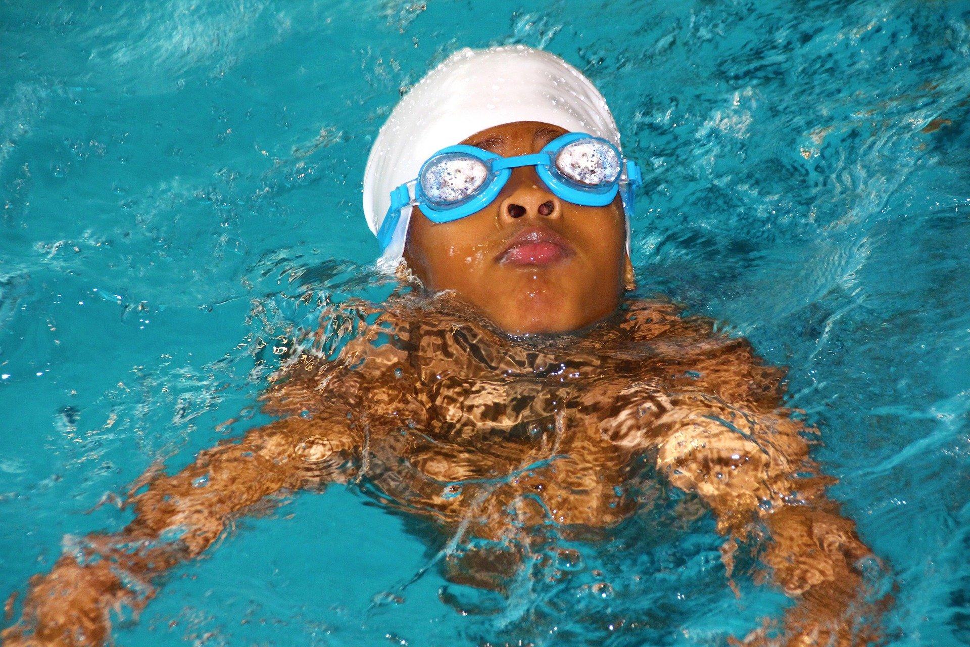 Als Schwimmschule online Kunden erreichen